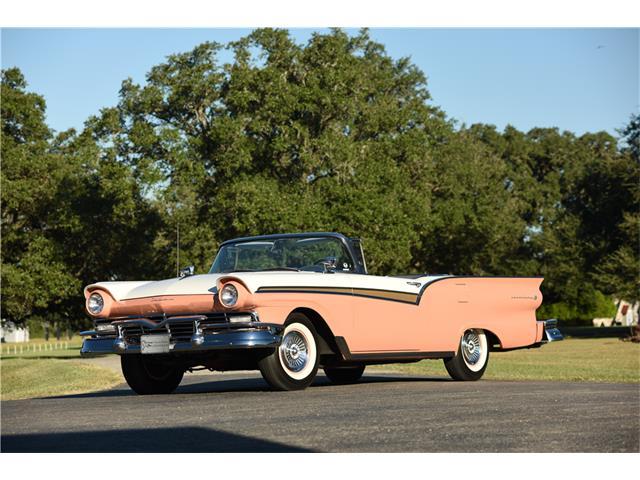 1957 Ford Fairlane 500 | 928937