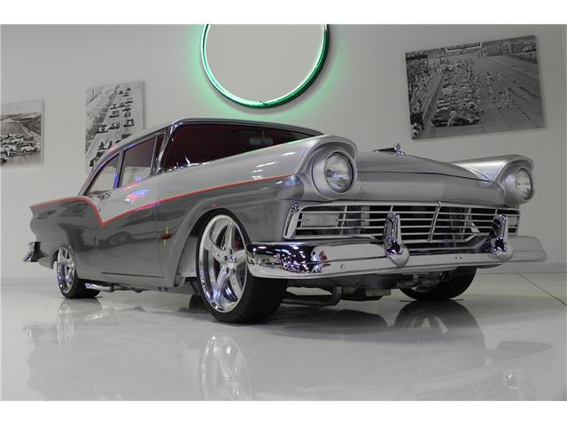 1957 Ford Fairlane | 929076