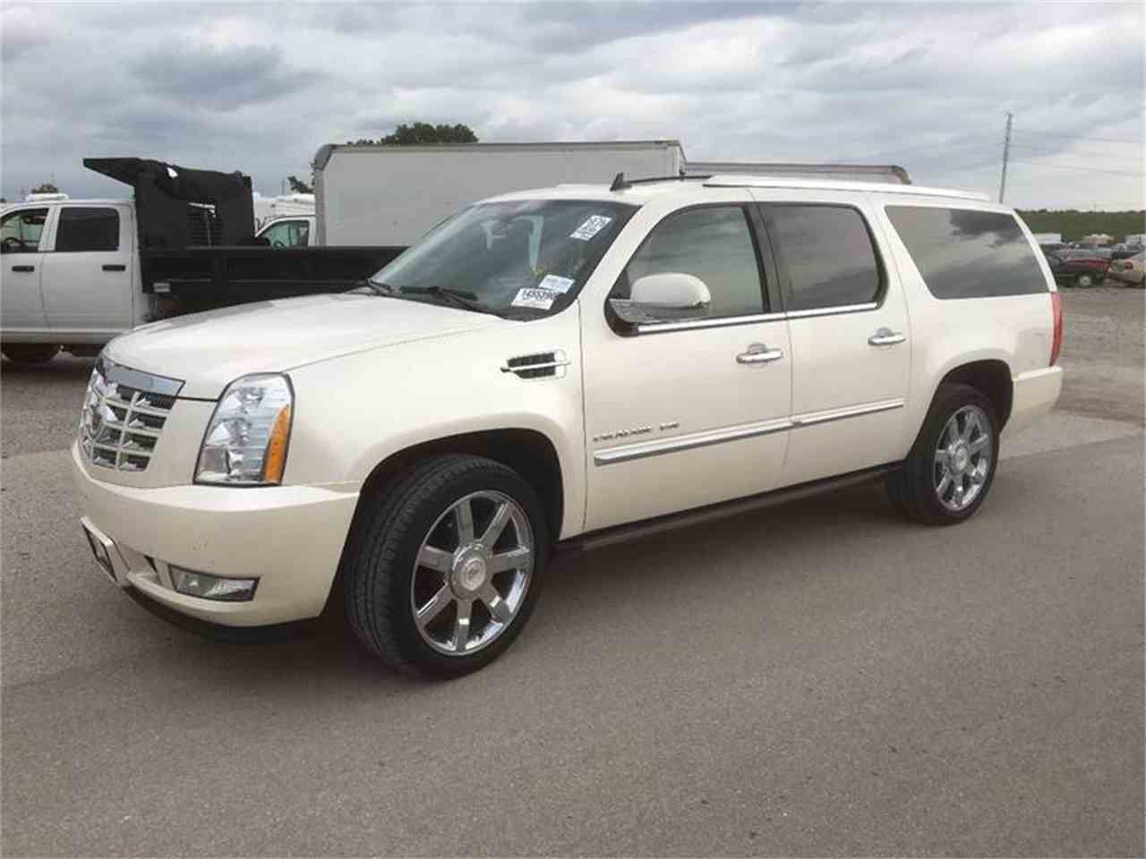 2011 cadillac escalade for sale cc 929347. Black Bedroom Furniture Sets. Home Design Ideas
