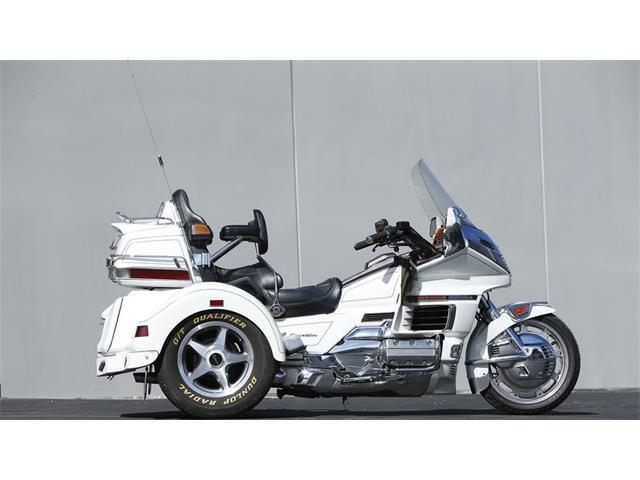1998 Honda Motorcycle | 929617