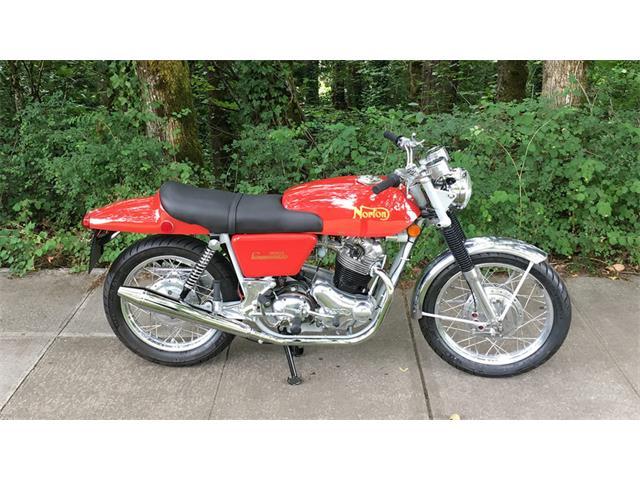 1972 Norton Fastback Commando   929629