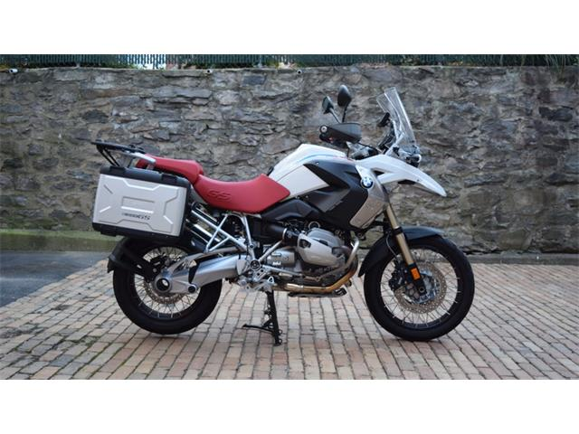 2010 BMW Motorcycle   929652