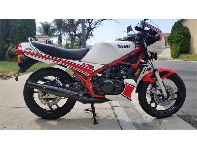 1985 Yamaha Motorcycle | 929654