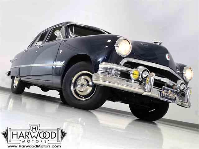 1951 Ford Custom Deluxe | 932329