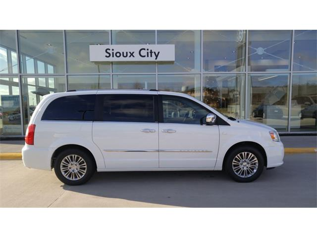 2014 Chrysler Town & Country Touring-L | 932343