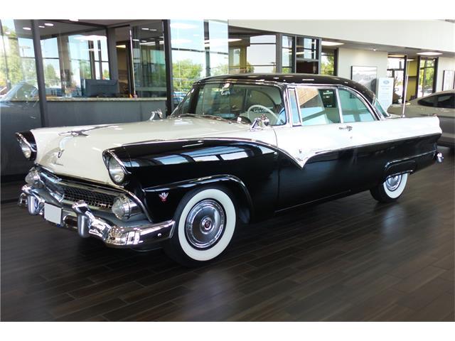 1955 Ford Fairlane Victoria | 932459