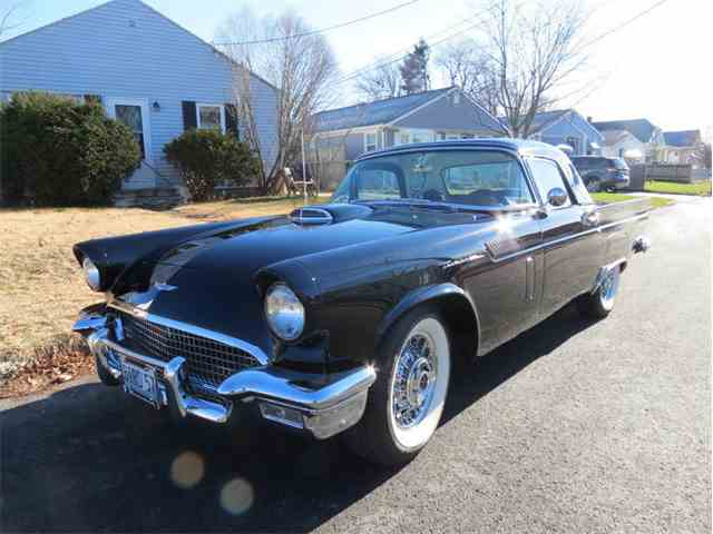 1957 Ford Thunderbird | 932575