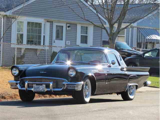 1957 Ford Thunderbird | 932575