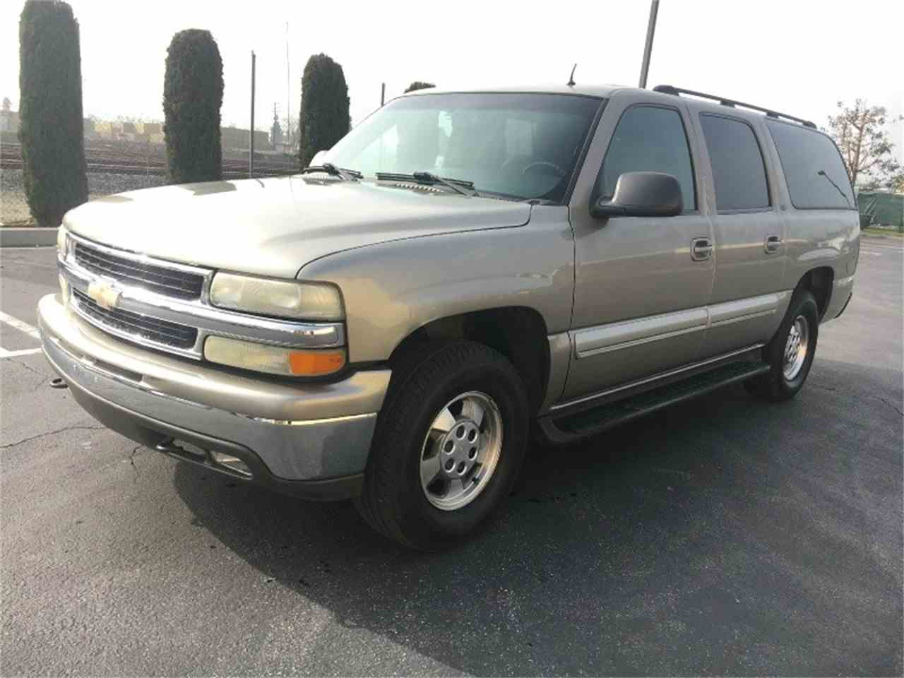2002 chevrolet suburban for sale cc 932580. Black Bedroom Furniture Sets. Home Design Ideas