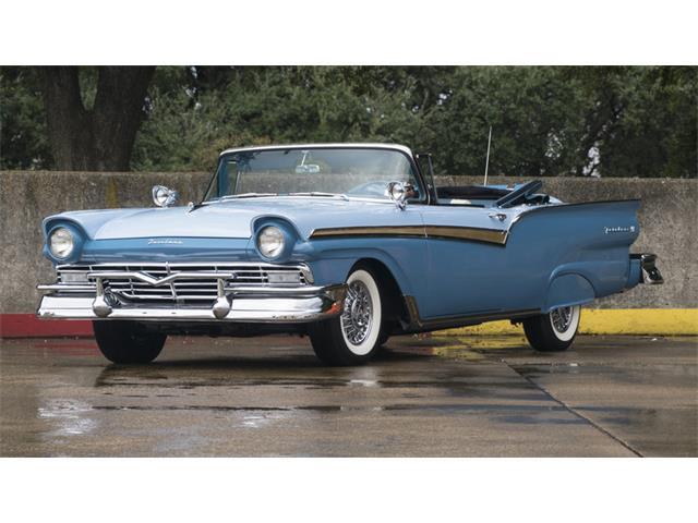 1957 Ford Fairlane | 930262