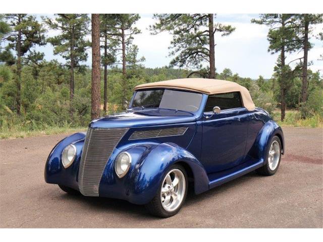 1937 Ford Custom   932967