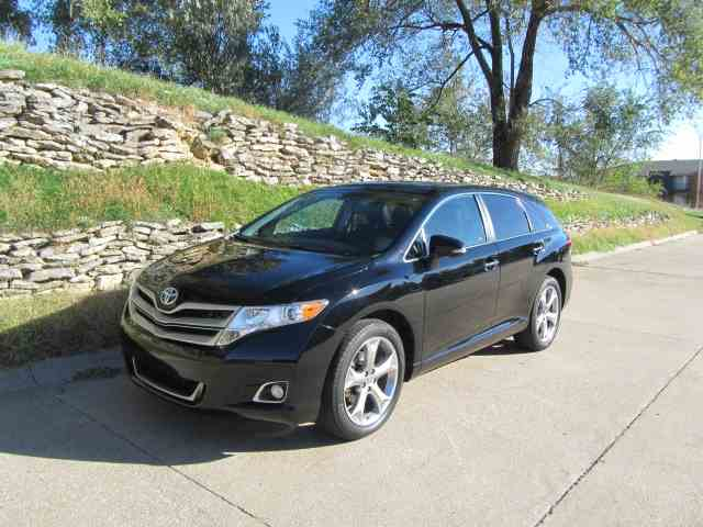 Picture of '14 Venza 4X4 XLE - K018