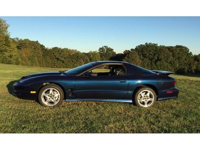 2002 Pontiac Firebird   933216