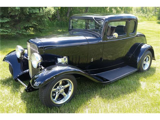 1932 Ford Deluxe | 933295