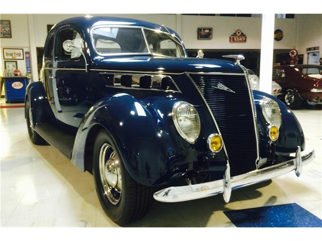 1937 Ford Deluxe | 933331