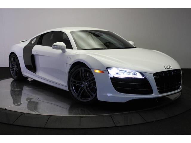 2010 Audi R8 | 933468