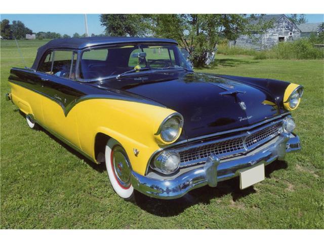 1955 Ford Sunliner | 934069