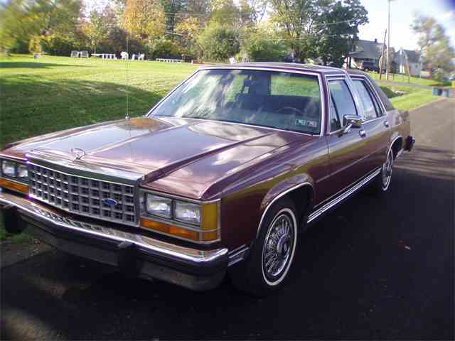 1986 Ford Crown Victoria | 934504