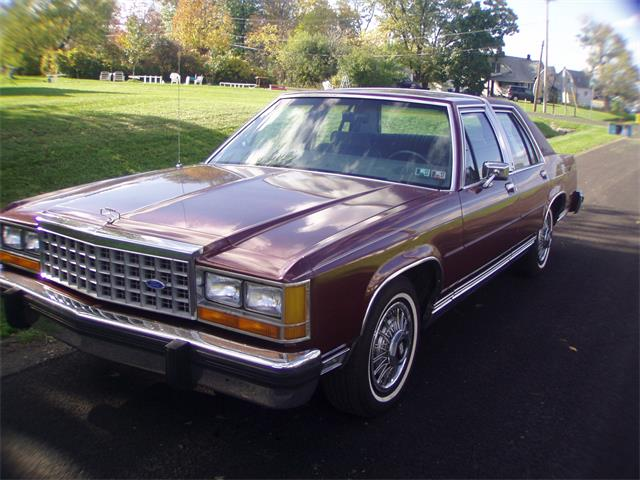 1986 Ford Crown Victoria   934504