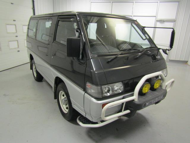 1991 Mitsubishi Delica   934512