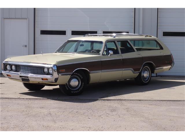 1970 Chrysler Town & Country | 934651