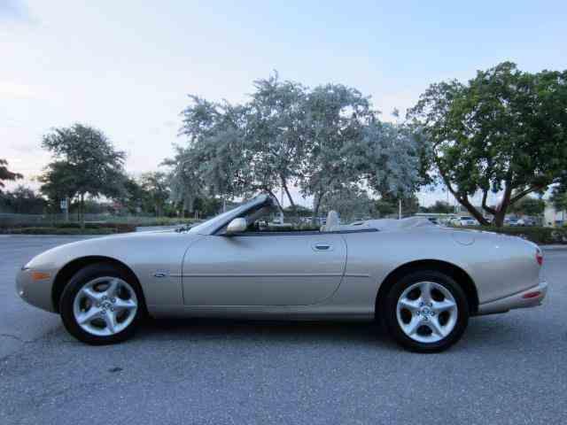 2000 Jaguar XK8 | 934970