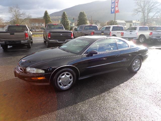1998 Buick Riviera | 930050