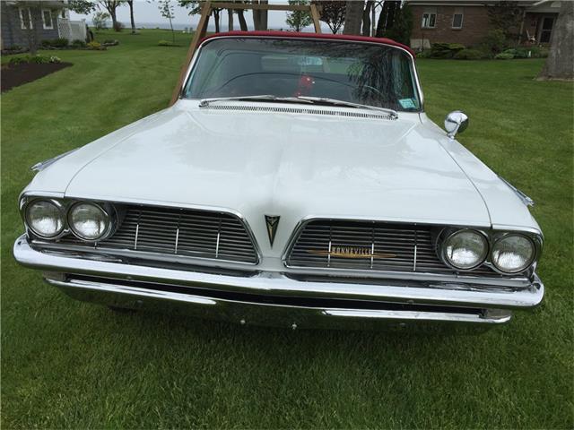 1961 Pontiac Bonneville | 935255