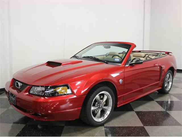 2004 Ford Mustang | 935668