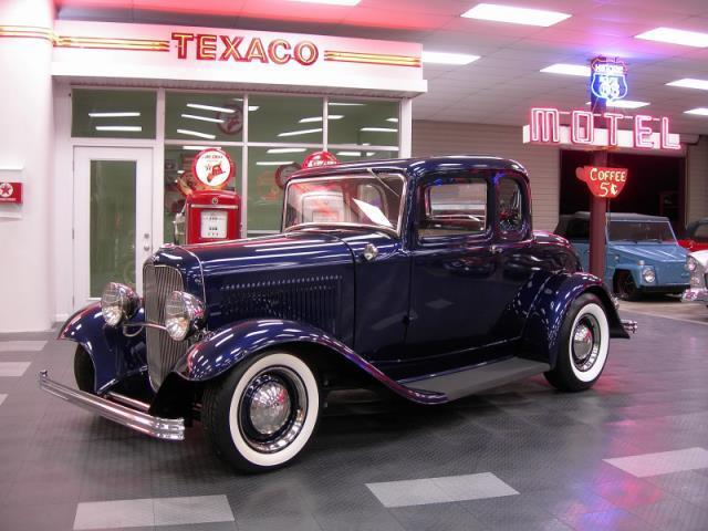 1932 Ford Coupe | 935941