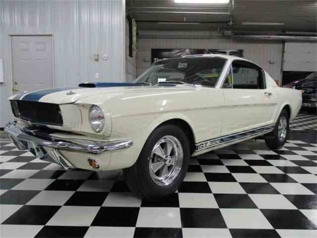 1965 Ford Mustang | 936178