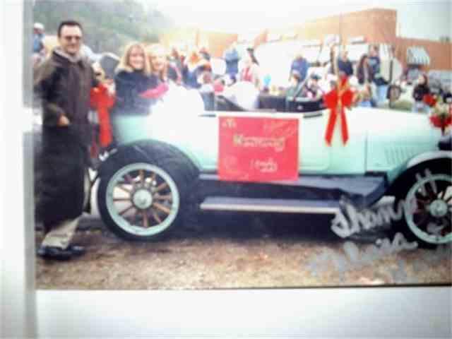 1922 Chevrolet Touring   936271