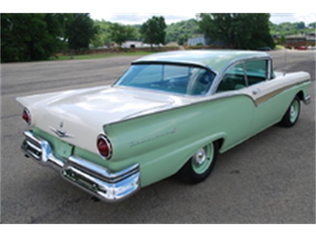 1957 Ford Fairlane | 936400