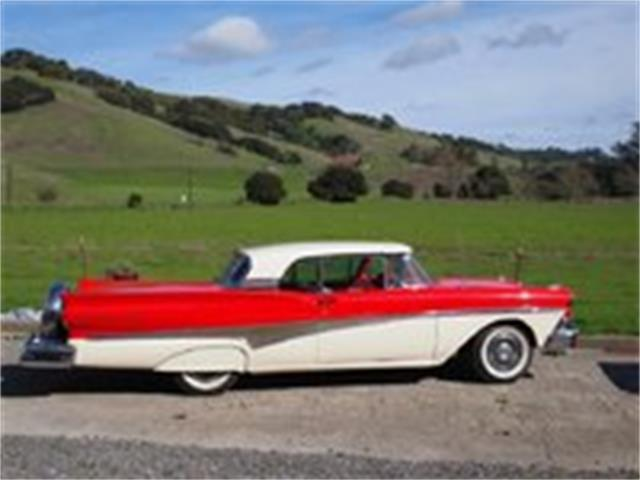 1958 Ford Fairlane | 936408