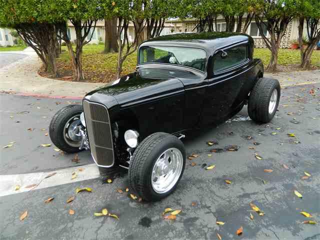 1932 Ford 3 Window   936449