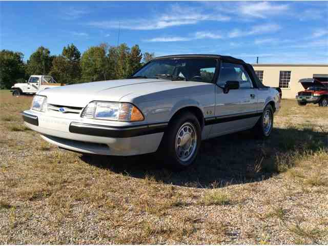 1988 Ford Mustang | 936507