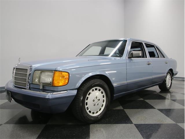 1989 Mercedes-Benz 300SEL   936875