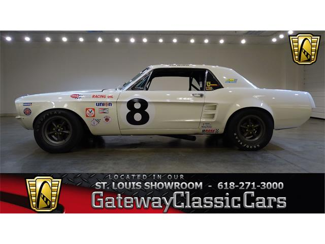 1967 Ford Mustang   936879
