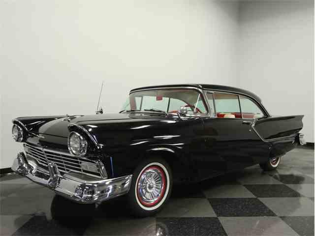 1957 Ford Fairlane Club Victoria | 936884