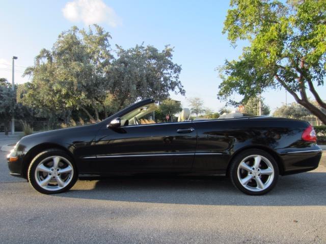 2004 Mercedes-Benz CLKCLK320 | 937019