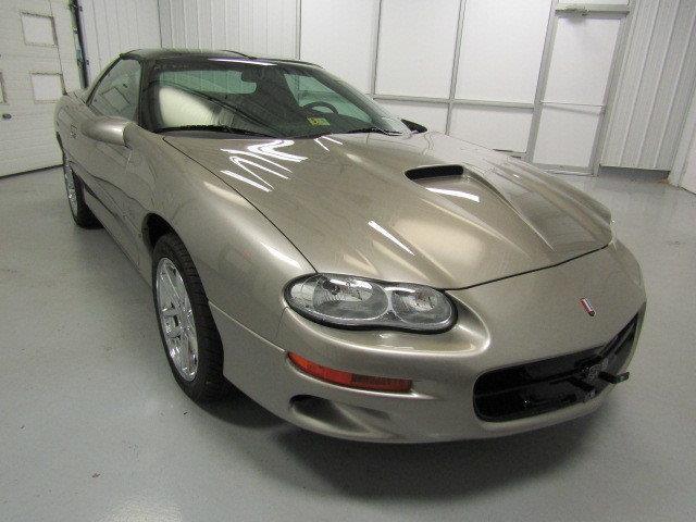 2001 Chevrolet Camaro | 937089