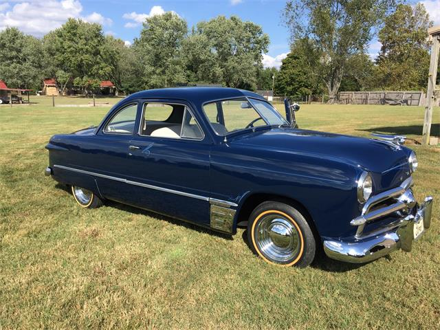 1949 Ford Club Coupe | 938063