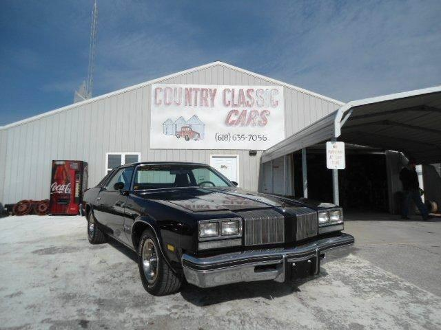 1977 Oldsmobile Cutlass Supreme Coupe | 938334
