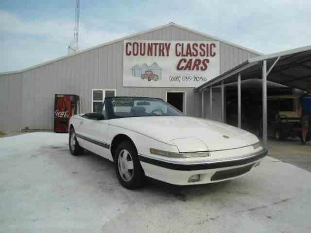 1990 Buick Reatta | 938365
