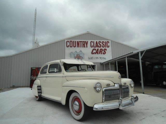 1942 Ford 2-Dr Sedan | 938382