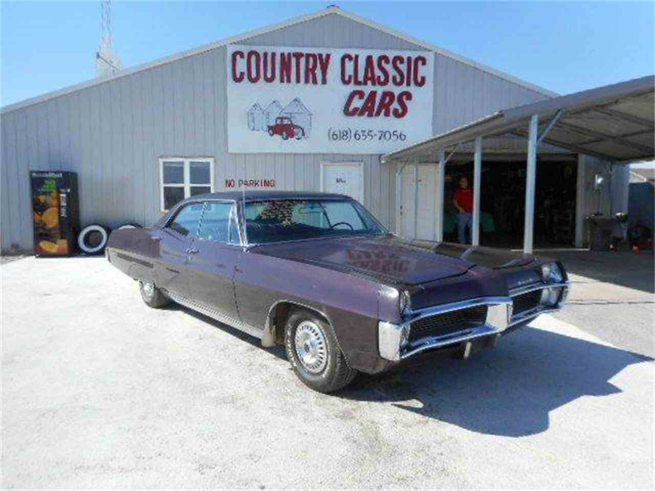 Large Picture of 1967 Pontiac Bonneville - $9,350.00 Offered by Country Classic Cars - K48V