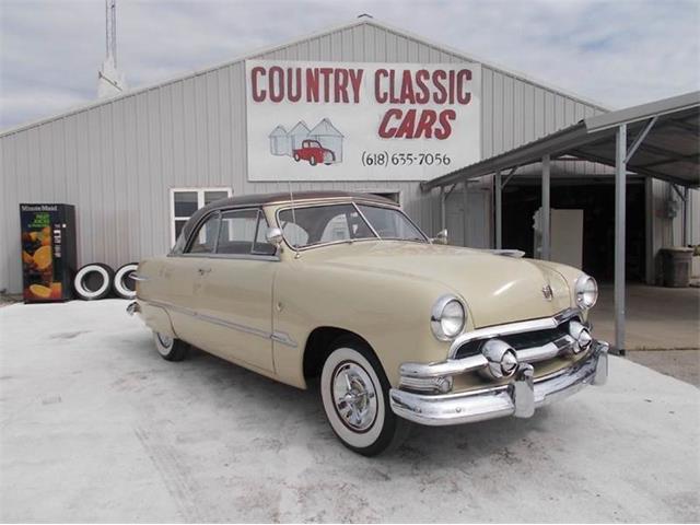 1951 Ford Victoria | 938750