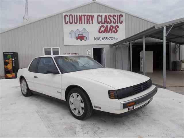 1988 Oldsmobile Toronado | 938755