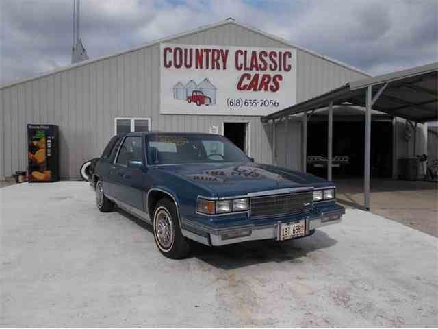1986 Cadillac Coupe DeVille | 938927