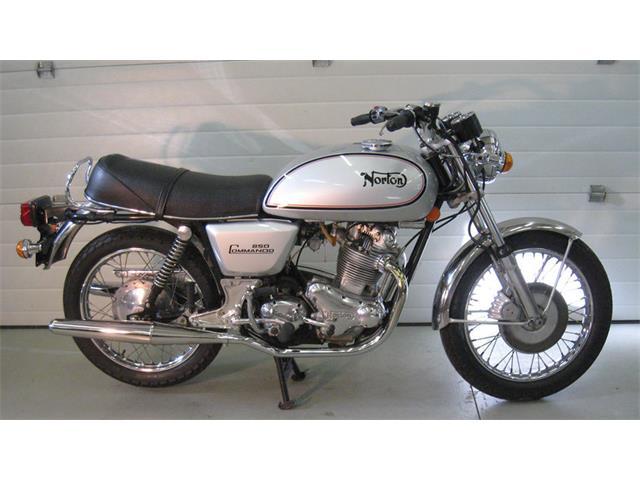 1973 Norton Commando | 930902